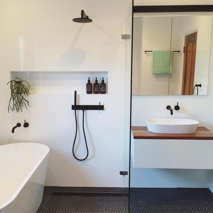 50 Cool Small Master Bathroom Remodel Ideas On A Budget